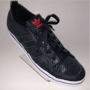 Adidas Women's Sz 8 Athletic Sneakers Black Emboss